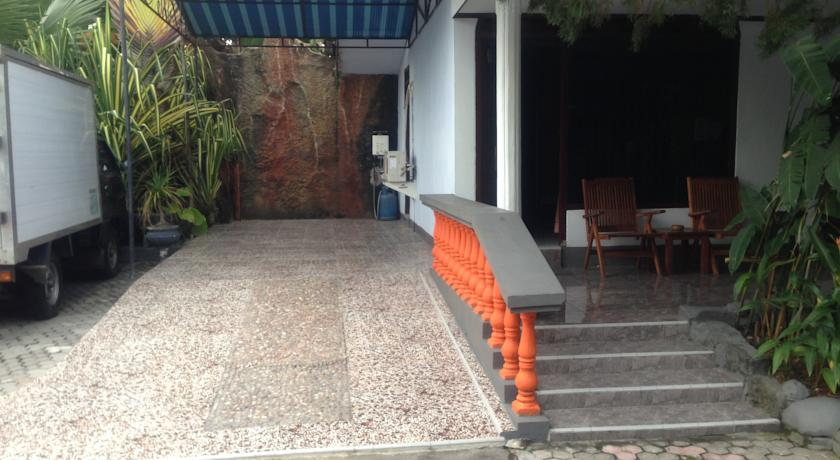 Hotel Saptra Mandala