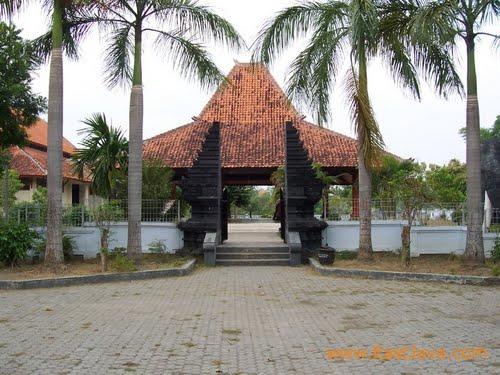 Hotel Maksum Ngawi