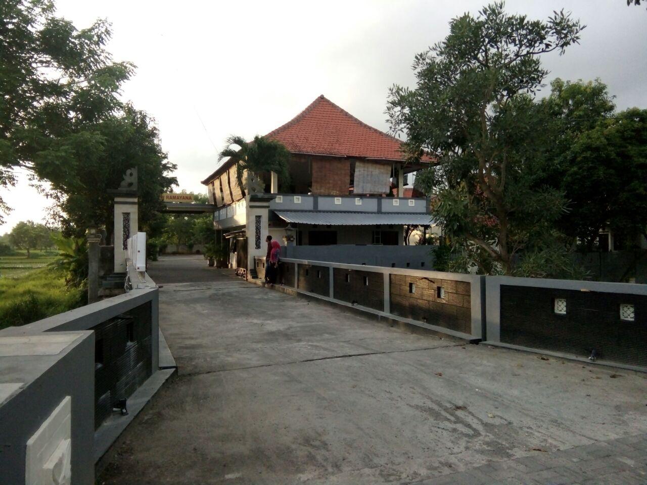 New Ramayana Hotel Pamekasan