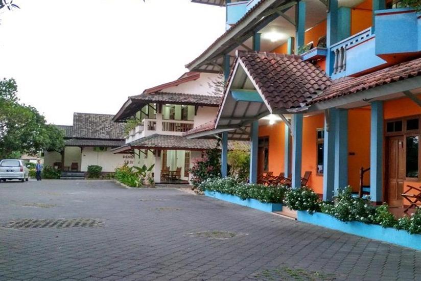 Srikandi Hotel & Restaurant